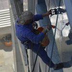 شستشوی شیشه و سنگ نمای ساختمان